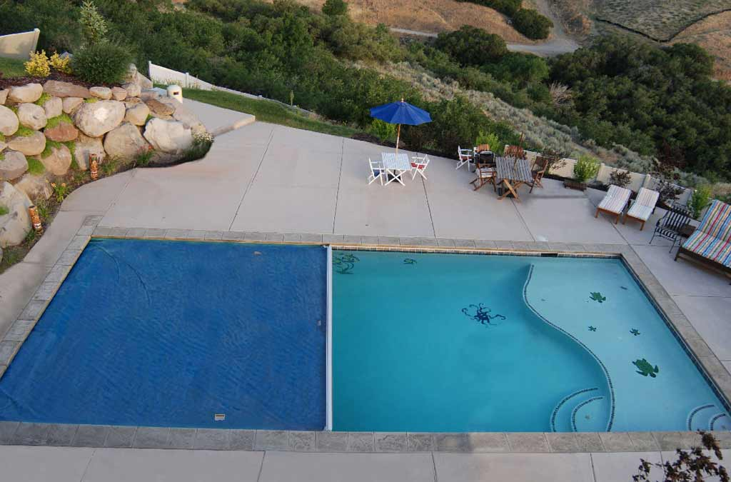 Luxapool epoxy pool coating fibreglass pools for Epoxy coating for swimming pools