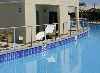 Residential North Bondi olympic-size pool with water painted with Luxapool epoxy pacific blue.