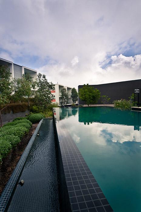 Luxapool 174 Pool Paintwet Edge Resort Pool Painted In