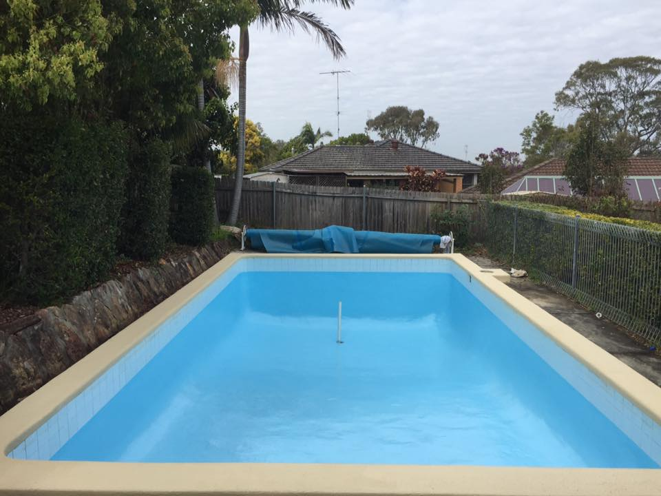 Luxapool pool painttraining pool homebush painted with luxapool epoxy swimming pool paint for Painting aluminum swimming pool coping