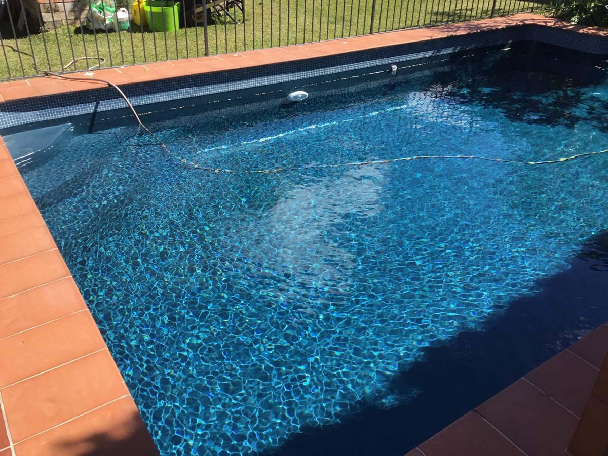 Luxapool pool paintdomestic pool painted with luxapool epoxy swimming pool paint slate colour for Epoxy coating for swimming pools